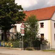 Das Schiltberger Kinderhaus: Eine Erzieherin der Krippe ist positiv auf das Coronavirus getestet worden. Die Krippe ist nun geschlossen. Der Kindergarten aber hat weiterhin geöffnet.