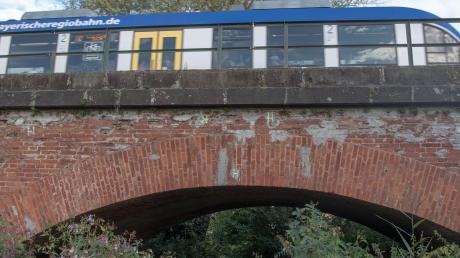 Bauarbeiten: Nördlich von Aichach wie hier in Walchshofen wird ein Teil der Zugverbindungen auf der Paartalbahn durch Busse ersetzt.