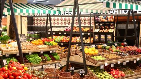 Am Ortsrand von Adelzhausen soll ein Edeka-Supermarkt gebaut werden.