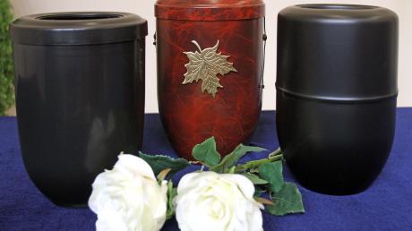 Feuerbestattungen werden auch in Petersdorf immer häufiger. Urnengräber sind auch wegen des geringeren Pflegeaufwands gefragt.