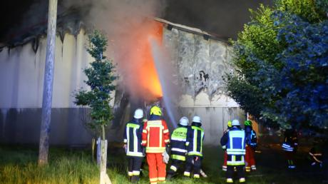 Im August 2020 brach in einer landwirtschaftlichen Lagerhalle in Pöttmes-Seeanger ein Brand aus. Ein Großeinsatz war die Folge. Um den Ausrüstungsbedarf der Feuerwehren im Markt Pöttmes ging es nun im Gemeinderat.