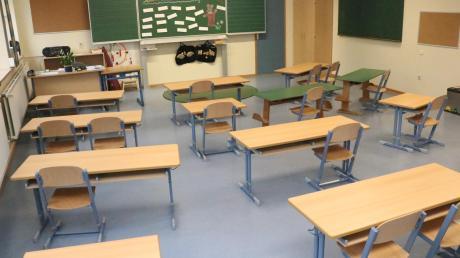 In ein Klassenzimmer wurde an der Grundschule Rehling ein Raum im Keller umgebaut. Dort lernt jetzt die Klasse 1a.