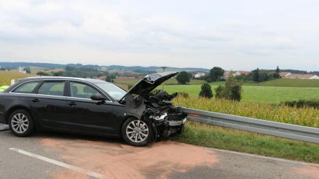 Zu einem Unfall kam es am Montagnachmittag zwischen Sielenbach und Laimering (Gemeinde Dasing), an der Abzweigung nach Wilpersberg.