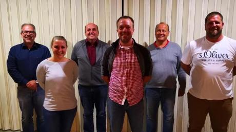 Der Vorstand des TSV: (von links) Bürgermeister Heinz Geiling, Schriftführerin Ilona Speckner, Horst Pappenberger, Vorsitzender Christian Irotschek, Geschäftsführer Holger Blaufuß und Zweiter Vorsitzender Simon Speckner.