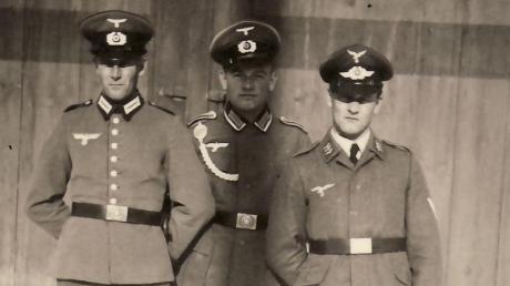 Gregor, Alois und Josef Steinherr aus Gebenhofen (heute Gemeinde Affing) wurden im Zweiten Weltkrieg eingezogen. Ihr Vater Joseph starb im Ersten Weltkrieg und ihre Mutter Barbara heiratete einen Bruder ihren Mannes und als der starb einen weiteren Bruder.