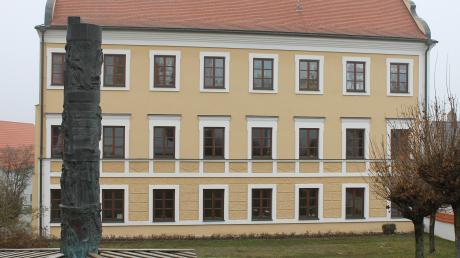 Auch heuer gibt es in Inchenhofen einen Adventskalender in den auf der Südseite gelegenen Fenstern des Rathauses.