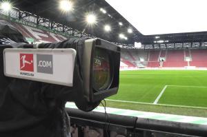 Europa League 21 22 Ubertragung Live Im Free Tv Stream Auf Dazn Ard Zdf Rtl Oder Nitro El Online Schauen Ab Dem 16 9 21
