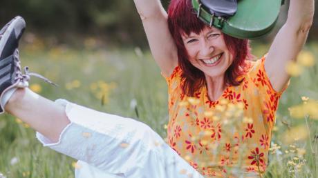 Die grüne Geige ist das Markenzeichen von Monika Drasch aus Utting. In der Corona-Krise hat sie neue Wege entdeckt, auf denen sie ihren Fans ihre Musik nahe bringen kann.