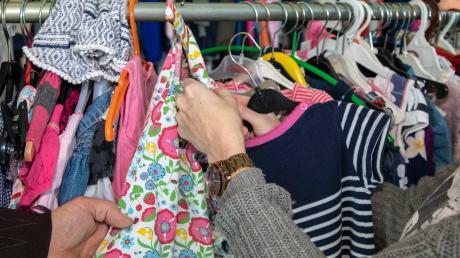 Wie kann man Mensch und Natur vor den negativen Auswirkungen der Textilherstellung bewahren?