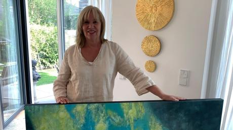 Ursula Weber stellt bis 6. Juni im Blauen Haus in Dießen aus. Geöffnet ist täglich von 15 bis 20 Uhr.