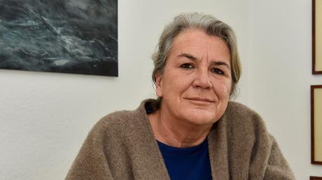 Melanie Rakow-Weidinger liebt die Macht des Wassers und stellt diese gerne auch in ihren Bildern dar. Die Wahl-Dießenerin ist zudem Ärztin und Psychotherapeutin.