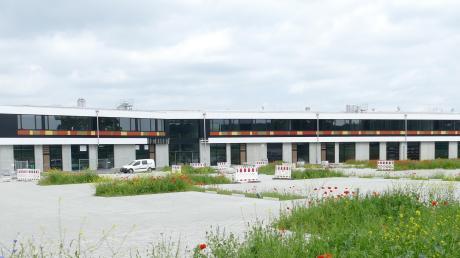 Der Neubau der Berufsschule ist fast fertig. Im Herbst soll der Betrieb aufgenommen werden.