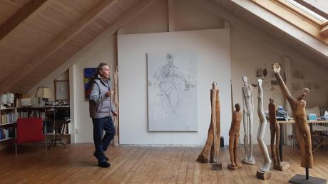 Peter Dietz aus Utting ist Maler, Bildhauer und Musiker. Bei den Ateliertagen in Utting im Oktober zeigt er seine Werke.
