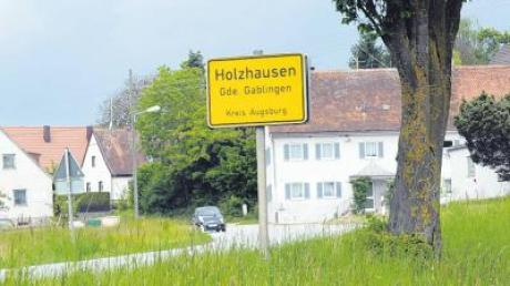 Die Ortsdurchfahrt Holzhausen wird wegen Straßenbauarbeiten gesperrt. Ende des Jahres sollen die Arbeiten fertiggestellt sein.