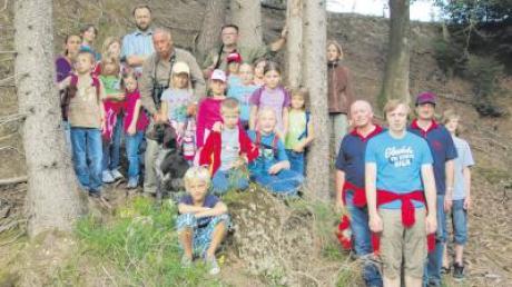 19 Kinder haben sich im Zuge des Ferienprogramms der Freiwilligen Feuerwehr Bonstetten auf Erkundungstour begeben.