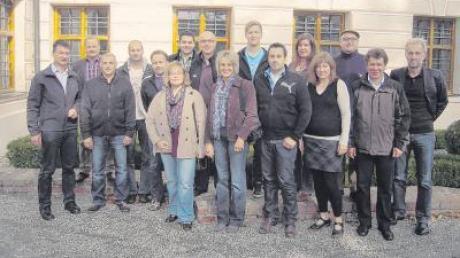 Die Teilnehmer des Seminars an der Schule der Dorf- und Landentwicklung, darunter Allmannshofens Bürgermeister Manfred Brummer (2. von links), Seminarleiter Ludger Klinge (2. von rechts) und Architekt Klaus Kehrbaum (rechts).