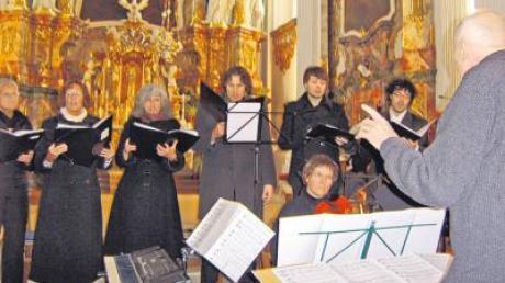 Die Gruppe Musik-Impuls sorgte für ein außergewöhnliches Adventserlebnis in der Klosterkirche Holzen.
