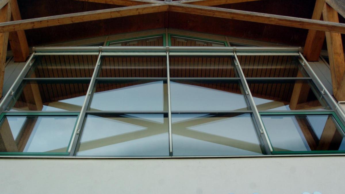 gessertshausen schwarzachhalle lampen zu schwer f r. Black Bedroom Furniture Sets. Home Design Ideas