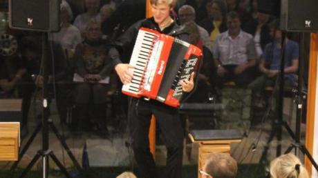 Matthias Matzke begeisterte die Zuhörer in Wollmetshofen.