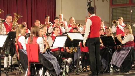 Beim ersten Böhmischen Abend der Musikkapelle Ellgau unter der Leitung von Manfred Braun verwöhnten die Musikanten ihr Publikum mit anspruchsvollen Marsch-, Polka- und Walzermelodien.