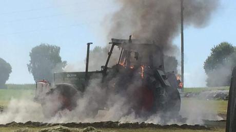 In Lauterbrunn ging dieser Traktor in Flammen auf.
