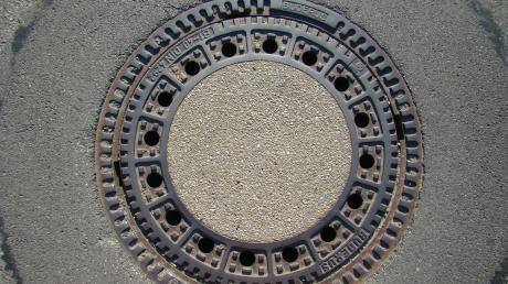 Im Bereich eines Abwasserkanals ist es in Thierhaupten über einen längeren Zeitraum zu einer Geruchsbelästigung gekommen.