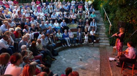 Gebannt lauschte das Publikum im Griechischen Theater Heretsried den Klängen von Klarinette und Gitarre.