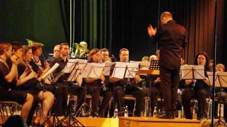 Die Soundtracks großer Kinofilme präsentierten die Ehinger Musikanten in der Kirchberghalle.