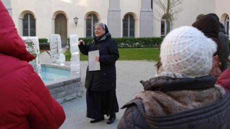 Schwester Katharina führte die Besucher in den Klostergarten.