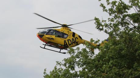 Ein Kind ist am Freitag bei einem Unfall in Allmannshofen schwer verletzt worden. Im Einsatz war auch ein Rettungshubschrauber.