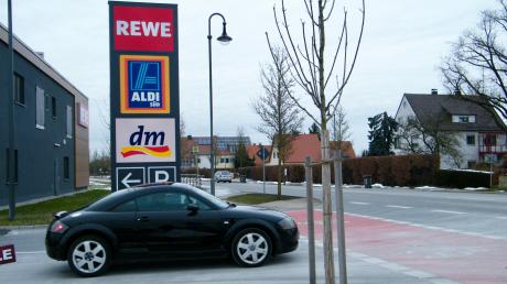 Langweid_Auto_Einkaufszentrum.jpg