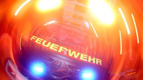 In Wollmetshofen musste die Feuerwehr ausrücken. (Symbolbild)