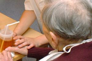 Senioren pflegen und Angehörige entlasten