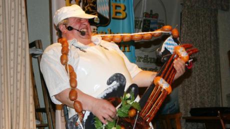 Schon seit 2009 rockt Wolfgang Neff mit seiner legendären Rauchfleischgitarre die Bühne