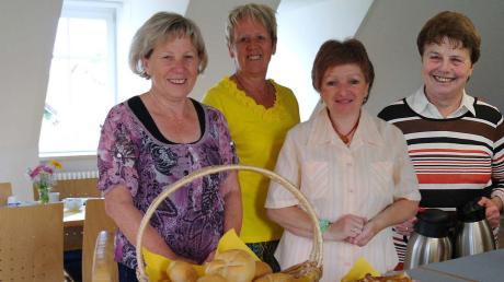 Das Seniorentreff-Team: (von links) Dora Vetter, Ida Kratzer, Ernestine Kottmair-Mauke und Leni Kukula.