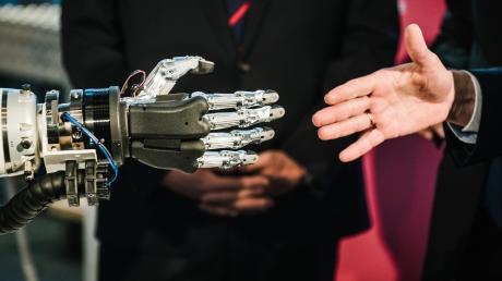 Für den privaten Gebrauch istkünstlicheIntelligenzziemlich nützlich. Für die Industrie ist KI unumgänglich.