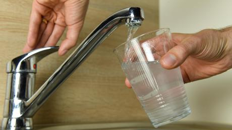 Wasserglas_Wasserhahn_Juli17_24.jpg