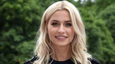 Lena Gercke hat einen neuen Freund - den Werbefilmer Dusin Schöne.