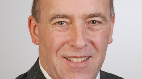 Peter Kraus wird für 72 Stunden Bürgermeister von Dinkelscherben.