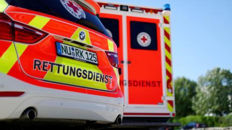 Zwei Verletzte gab es bei einem Frontalzusammenstoß in Fischach am Donnerstagmorgen.