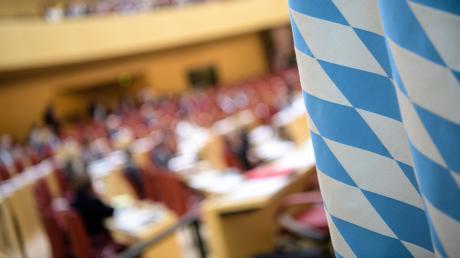 Kaum geht die Arbeit im Landtag los, schon gibt's mächtig Ärger in der CSU .