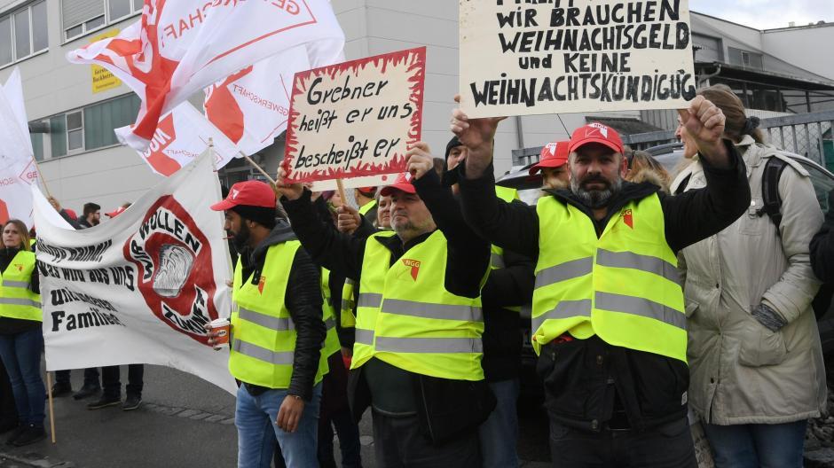 Bakkerijmedewerkers van Gersthofer en von Lechbäck demonstreren al maanden - uiteindelijk tevergeefs.  In 2018 ging het bedrijf failliet nadat het vier jaar geleden werd overgenomen door Seraphine Group.