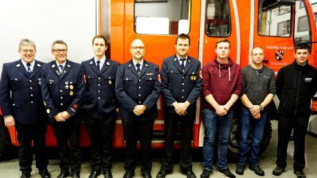 Der neue Vorstand der Feuerwehr Altenmünster: (von links) Kommandant Heinz Weindl, Horst Rößle, Markus Wolf, Mario Stegmayr, Vorsitzender Jürgen Urban, Christoph Streil, Benjamin Vogele und Christian Lader.