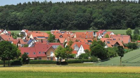 Die Neukirchener Breite ist eines der jüngeren Wohngebiete von Thierhaupten. Die Gemeinde setzt weiter auf neue Baugebiete.