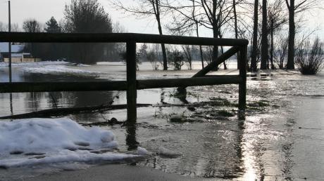 Vor einigen Jahren gab es eine Überschwemmung an der Schmutter zwischen Biberbach und Zollsiedlung.