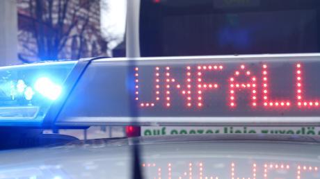 Am Samstag stürzte ein Radfahrer nach einem Schwindelanfall von seinem Mountainbike. Der Unfall ereignete sich in Altenmünster.