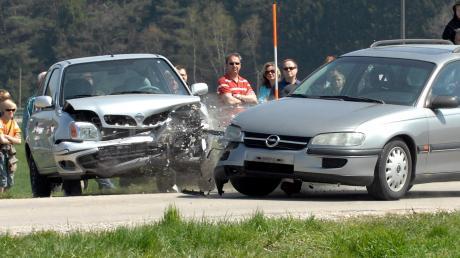An der Kreuzung der ehemaligen B10 und der Kreisstraße zwischen Agawang und Adelsried östlich von Horgau gab es in den vergangenen drei Jahren insgesamt schwerere 17 Unfälle.