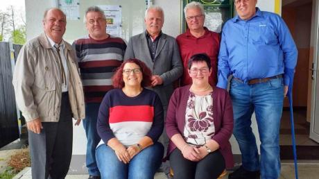 Der neue Vorstand: (von links) Georg Böck (Verbandsvorsitzender), Anton Mengele, Petra Meyer, Bürgermeister Bernhard Walter, Manuela Mayr, Heinz Untersehr und Peter Kempter.