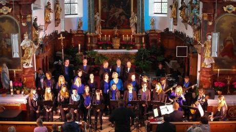 Ein beeindruckendes Konzert bot die Chorbande in der Pfarrkirche St. Laurentius. Modernes geistliches Liedgut und christliche Botschaften zogen sich als roter Faden in Musik und Texten durch den Abend.