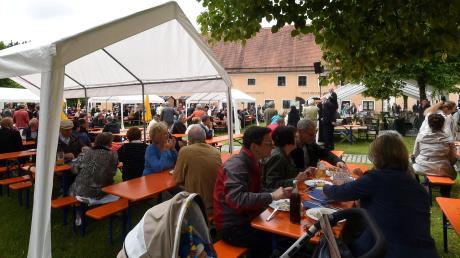 Auf dem Gelände der Abtei Oberschönenfeld wird am kommenden Sonntag wieder das Klosterfest gefeiert.